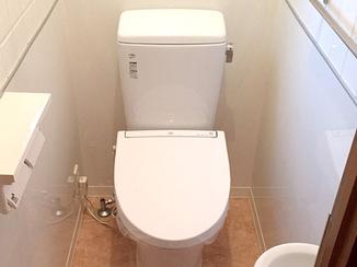 トイレリフォーム 部屋も便器も丸っとお掃除しやすいトイレ