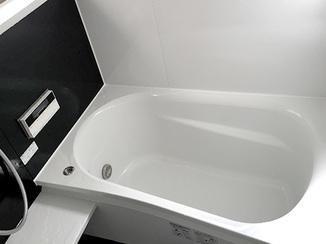 バスルームリフォーム 子供が安心して入れる、明るく暖かいお風呂